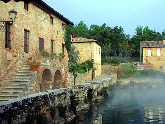 Баньо-Виньони, Италия: Bagno Vignoni (SI)
