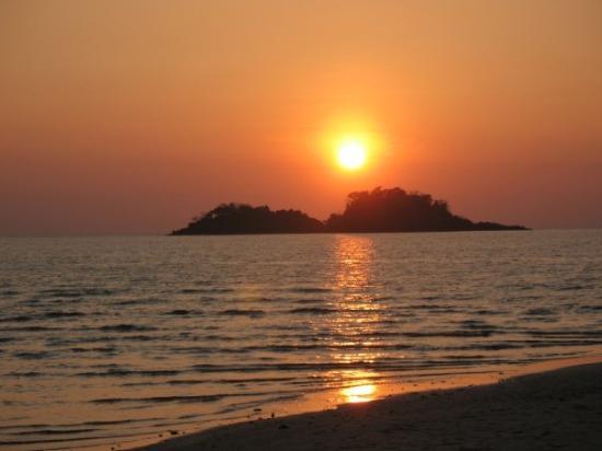 Centara Koh Chang Tropicana Resort: Solnedgång på Koh Chang