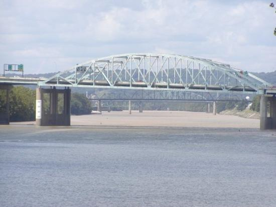 Charleston, WV: Looking Up The Kanawha River   First Bridge Is The I
