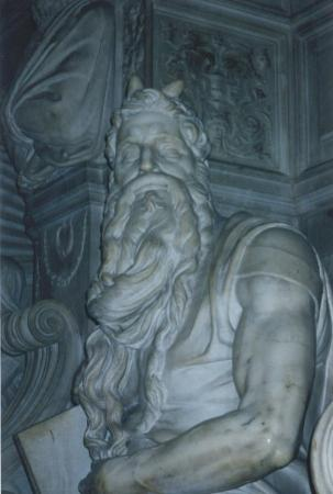 San Pietro in Vincoli: Moises de Michelangelo