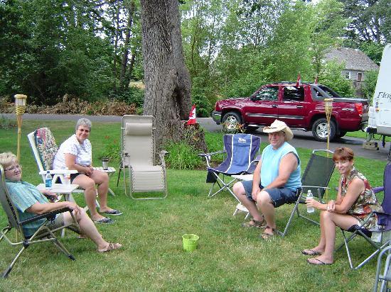 Deerwood RV Park: Relaxing