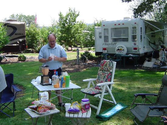 Deerwood RV Park: Blender day