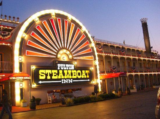 Fulton Steamboat Inn at night