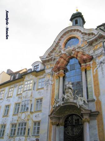 Asam Church: Asamkirche und Asamhaus