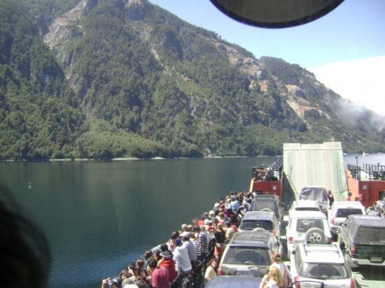 Panguipulli, ชิลี: Lago Pirihueico en el transbordador maun