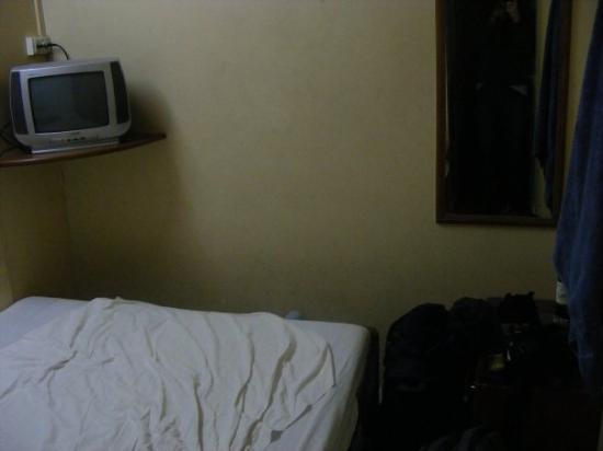 Volga Hotel: My hotel room, I HAD a TV and half air conditioned.