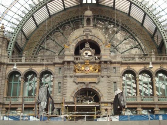 เซ็นทรัลสเตชั่น: Antwerpen station
