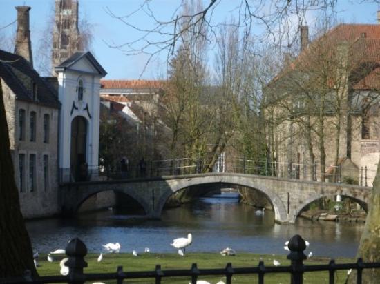 Minnewater Lake: Brugge