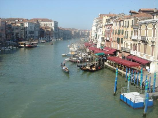 Mercati di Rialto: View from Rialto Bridge