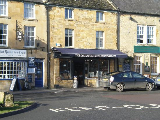 Moreton in Marsh: Cheese shop in the Cotswolds
