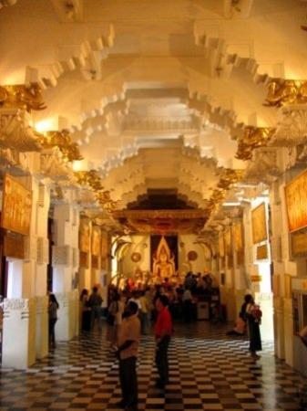วัดพระเขี้ยวแก้ว: วิหารพระพุทธชินราช จากประเทศไทย