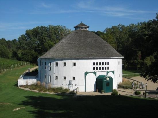 Sawyer, มิชิแกน: Round Barn Winery