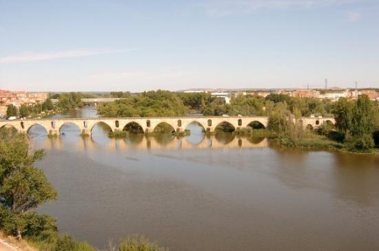 ซาโมรา, สเปน: Zamora, Río Duero y Puente de Piedra