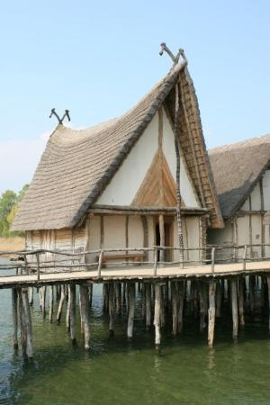 Unteruhldingen, เยอรมนี: Looks like the houses in Asterix huh?