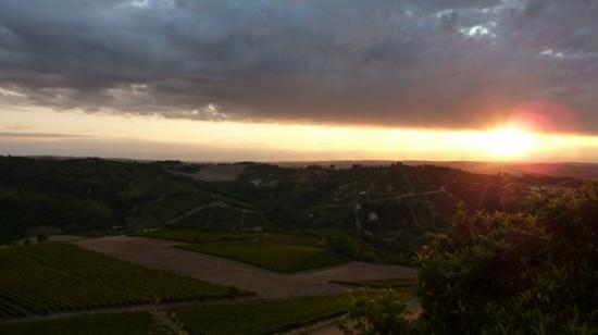 Neive, Italy: Piemonte, Neviglie, Italy
