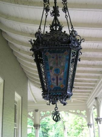 Jim Thorpe, Pensilvanya: And there was a very interesting light on the porch