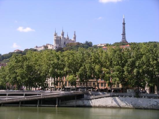 how to get to fourviere lyon