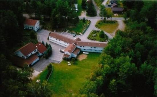 Wilton, ME: Aerial View of Wilson Lake Inn  photo by Susan