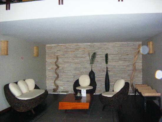 Hotel Cara: lobby