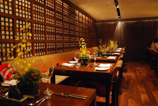 Paseo Uno at Mandarin Oriental, Manila: Tables at Paseo Uno