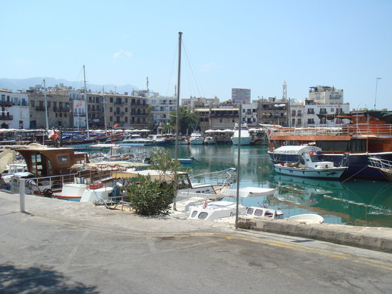 Hafen von Kyrenia (Girne): The harbour by day