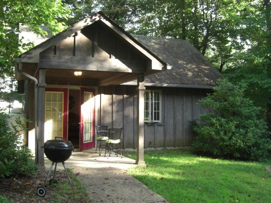 Royal oaks cabins updated 2017 campground reviews for Royal oaks cabins love va
