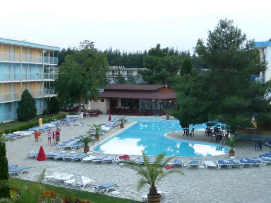 Azurro Hotel: Pool in the morning