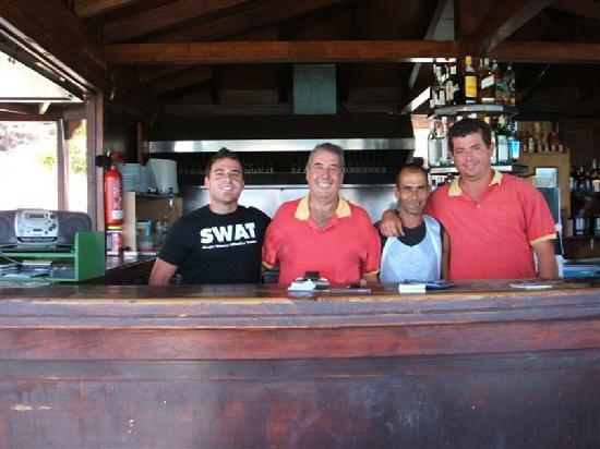 Esquinzo, İspanya: Emilio und Crew