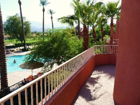 Rancho Mirage, CA: Our balcony (1 bedroom premier vila)