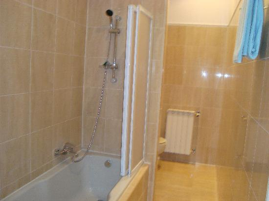 Residence St Andrews Palace : bathroom