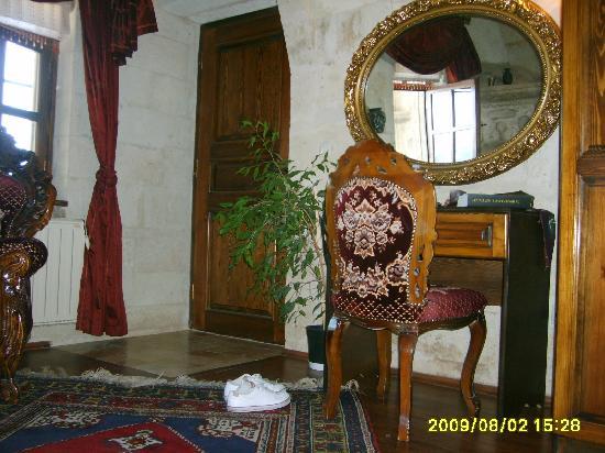 Assiana House: chambre typique ou l'on trouve  le repos