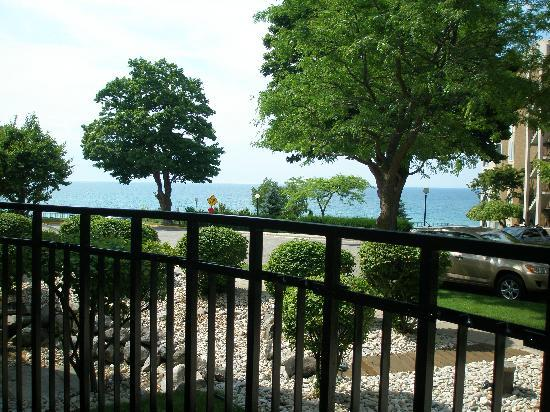 Weathervane Terrace Inn and Suites : View from our room
