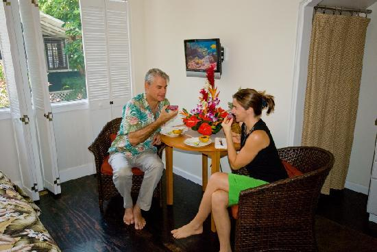 Kona Hula Girl: Our friends in the Hualalei Studio
