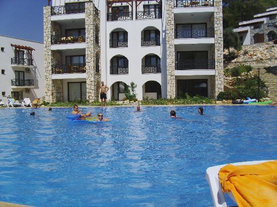 Mandalya Gardens: swimming pool