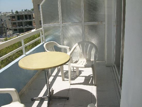 Valana Hotel Apts: balcony