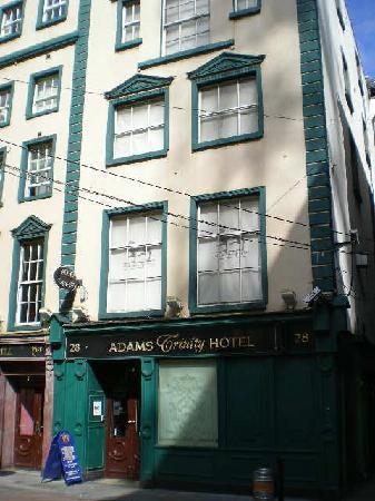 Adams Trinity Hotel : Rear entrance