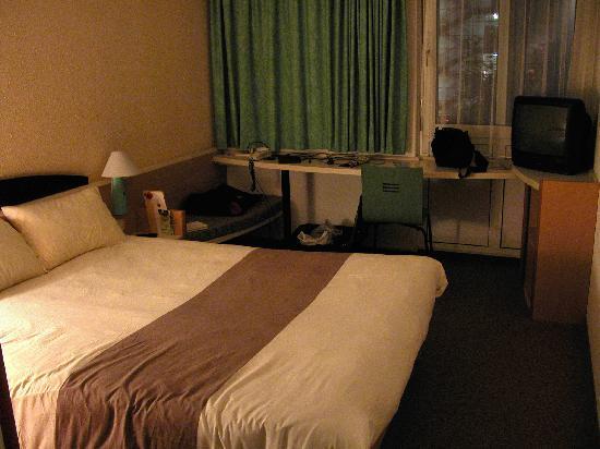 Ibis Regensburg City: Room