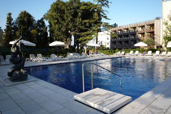 La Piscina Esterna Picture Of Hotel Acquaviva Del
