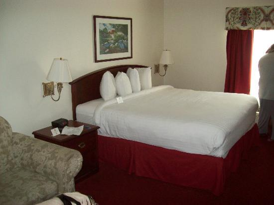 Pleasantville, NJ: King Bed- Very Comfy