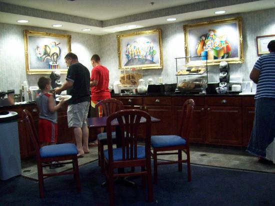 Pleasantville, NJ: Breakfast area pt. 1