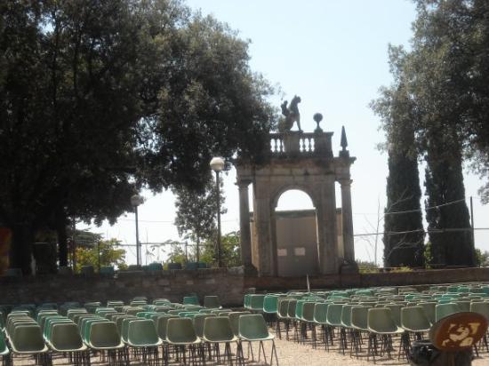 Giardino Frontone : Giardini del frontone -> Il frontone :D, Perugia