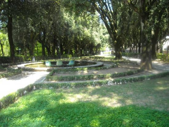 Giardino Frontone : Laghettino dei Giardini del Frontone, Perugia