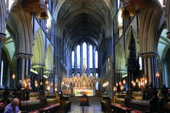 A closer look into the Worcester Cathedral