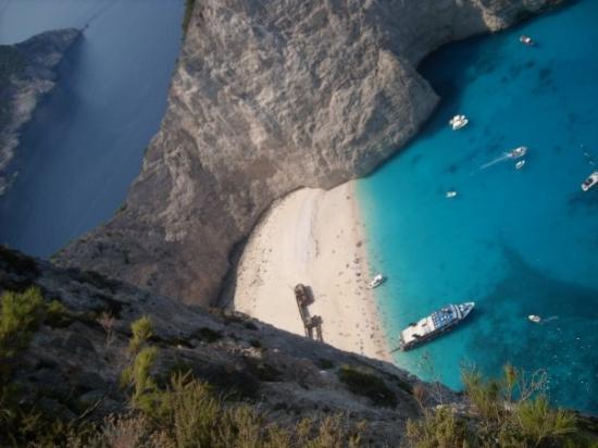 Strand von Navagio: Navagio Beach (aka Shipwreck beach) Zakynthos, only accessible by boat.
