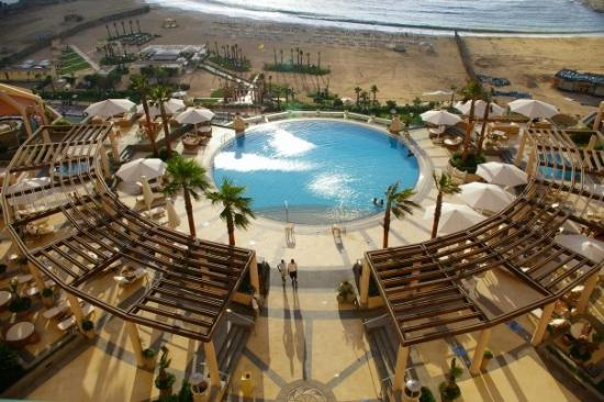 Four Seasons Hotel Alexandria: Picture of the pool from our room at the Four Seasons.