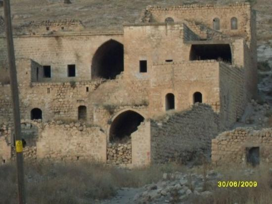 Dereiçi, noble ruins, near Savur (Mardin)