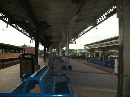 วิลมิงตัน, เดลาแวร์: train station so quiet the train left me