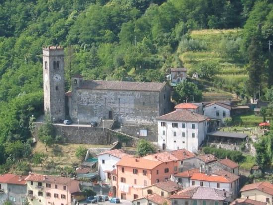 Gallicano,la chiesa parrocchiale