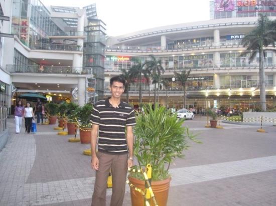 robinson plaza manila マニラ ロビンソン プレイス モールの写真