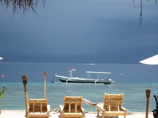 Pesona Beach Resort & Spa : i took this pic, it looks like a postcard!